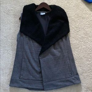 Athleta fleece vest size M